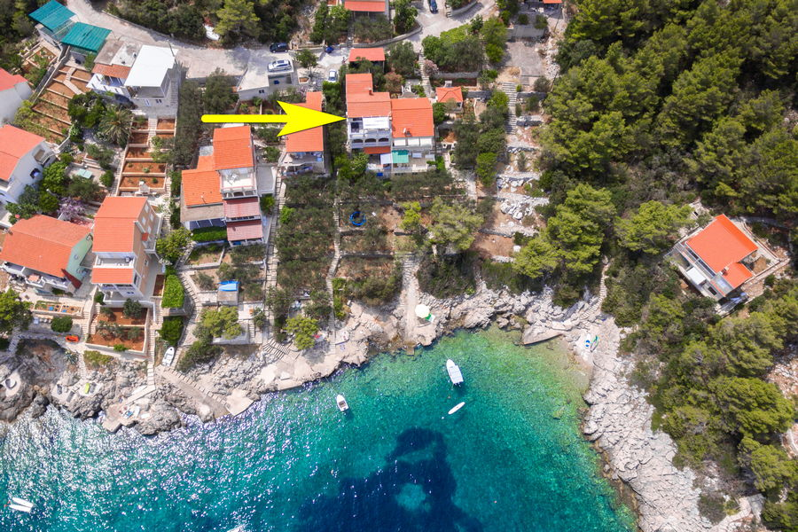 korcula-prizba-danca-apartments-merica-house-from-air-21-arrow