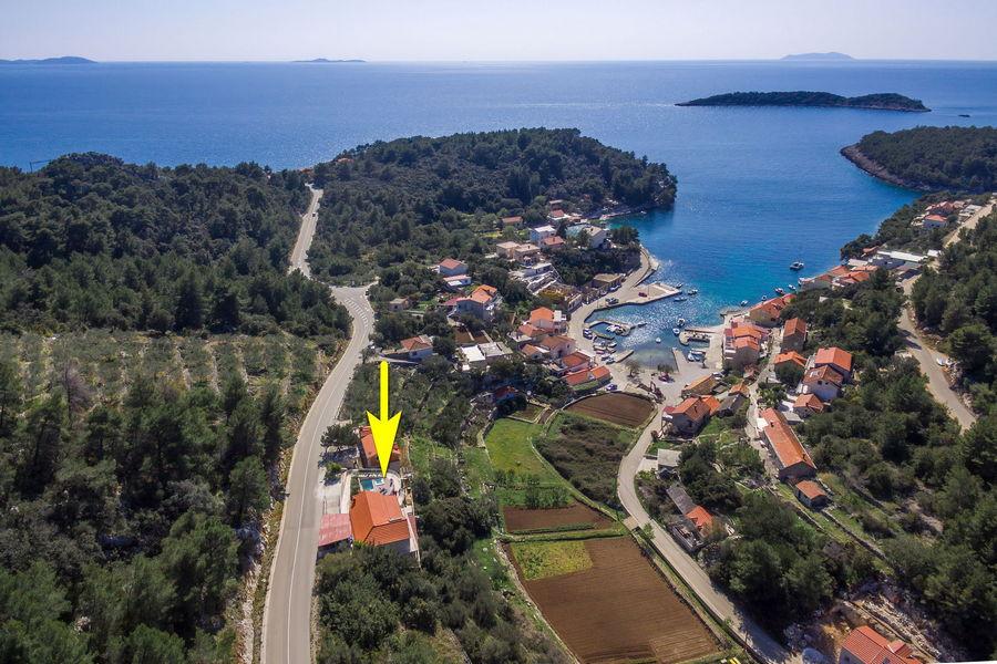 namoru-villa-grscica-from-air-15-arrow
