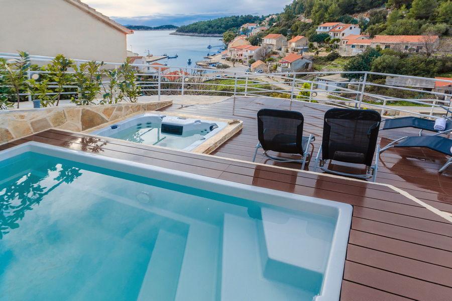 namoru-villa-grscica-terrace-pool-main-02