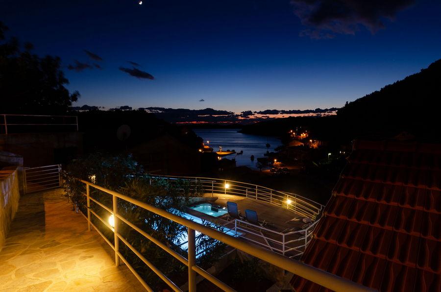 namoru-villa-grscica-terrace-pool-night-08