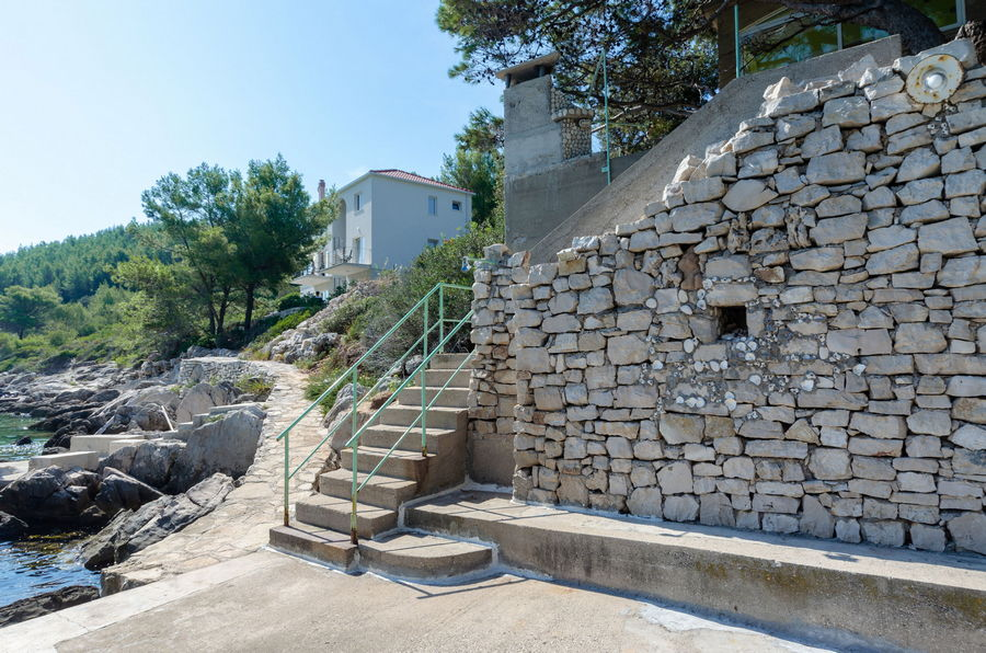 korcula-apartments-karbuni-zaglav-olivera-beach-09